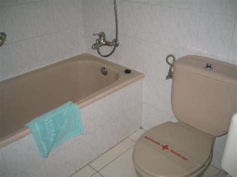 old fashioned bathroom old fashioned bathroom get domain pictures getdomainvids com