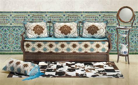 moderne trditionele tuinen salon marocain traditionnel marron blanc cass 233 et bleu