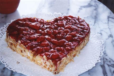 valentinstag kuchen in herzform kav 225 rna
