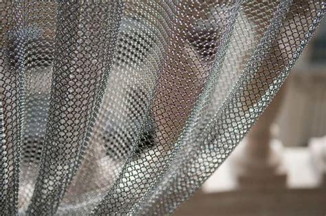 rideaux en cotte de maille ambiance industrielle