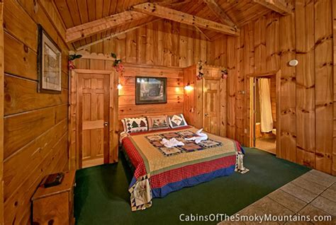 2 bedroom cabins in pigeon forge pigeon forge cabin seclusion cabin 1 bedroom sleeps