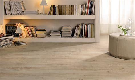 piastrelle come parquet marmo o parquet quale pavimento scegliere