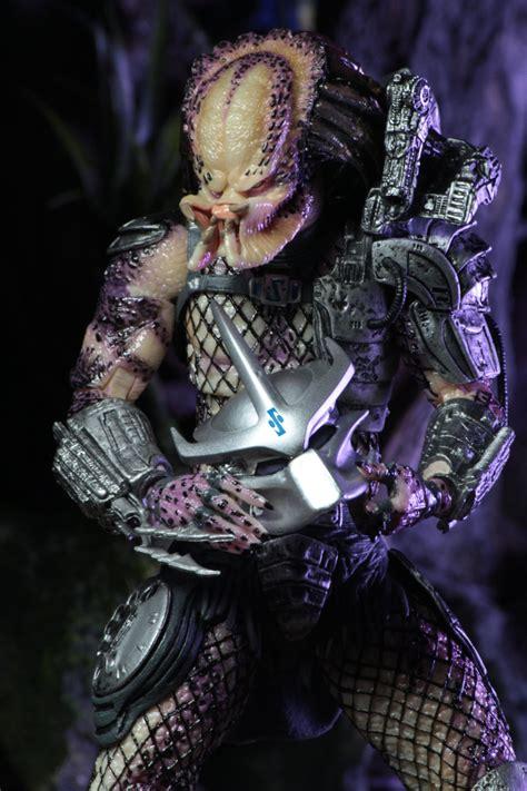 Predator Enforcer Predator neca reveals ultimate enforcer and bad blood predator 2