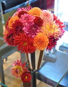 1000 images about dahlia ideas for centerpieces on pinterest floral arrangements autumn