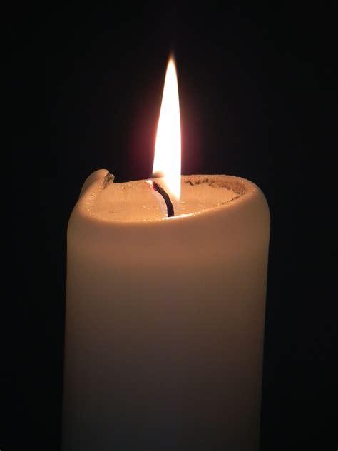 kerzenständer 4 kerzen file wei 223 e kerze brennend jpg wikimedia commons