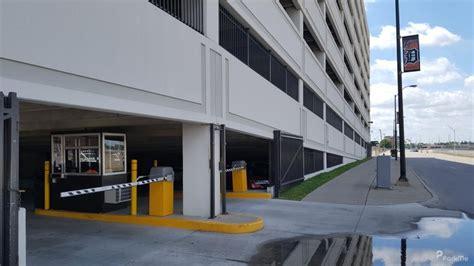 fox garage parking in detroit parkme