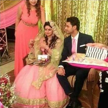 vivek dahiya old pictures photos divyanka tripathi shares engagement pictures the