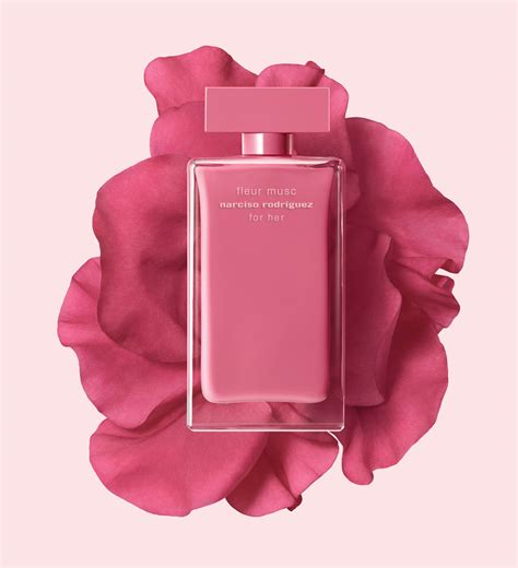 Narciso For Pink fleur musc for narciso rodriguez pink plastic fragrance reviews