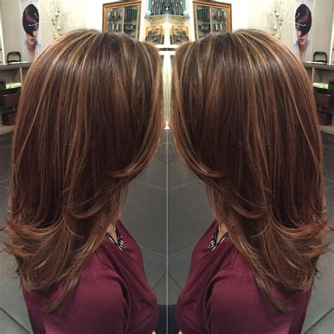 light brown shoulder length hair caramel highlights on light brown hair and mid length hair
