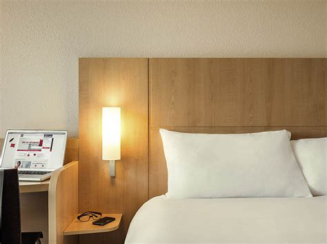 ibis hotel porte d orleans hotell i montrouge ibis porte d orl 233 ans