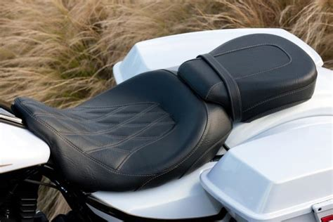 mustang seats for 2015 glide help with selecting a new seat 2015 flhr harley