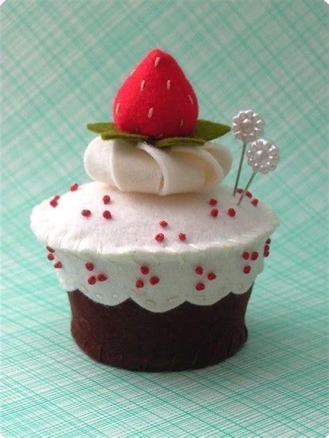 Pinchusion Cup Cake cupcake pincushion