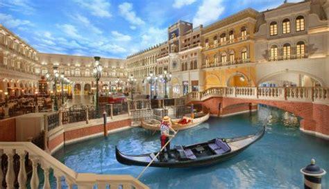 Lukisan Gondola promo venetian hotel macau one is never enough
