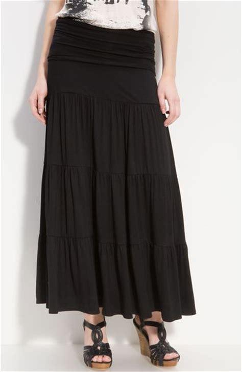 bobeau tiered maxi skirt in black lyst