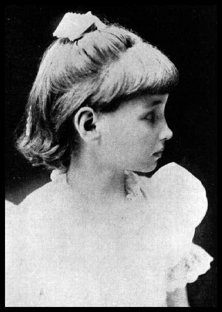 biodata helen keller profile portrait of helen keller wearing a white dress and