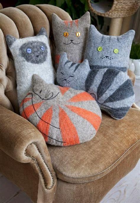 Boneka Kucing Dari Kain kerajinan tangan unik dari kain flanel satu jam
