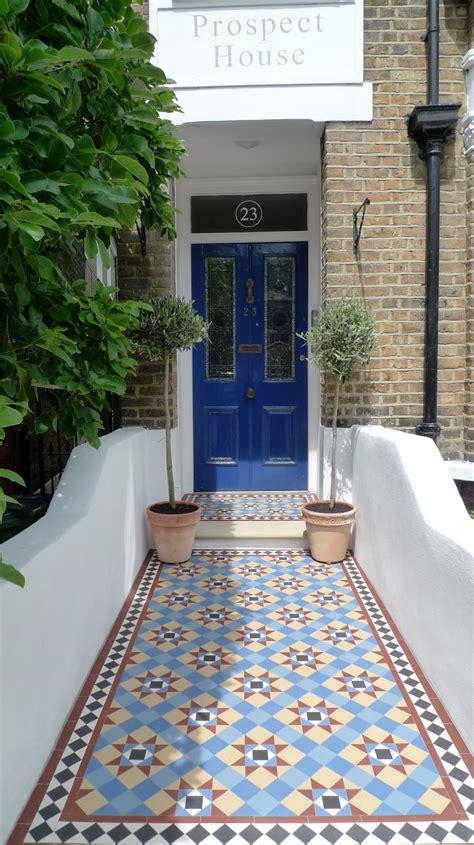 garten fliesen mosaic garden tile path yorkstone steps black