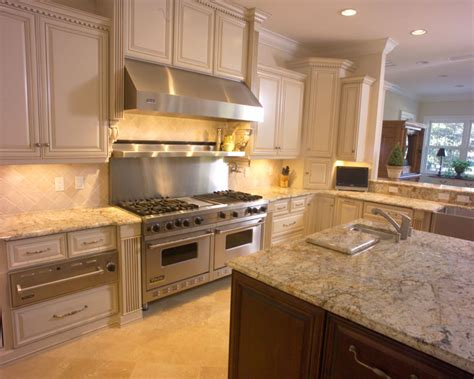 Kitchen Stove Backsplash by Jacksonville Range Hood Custom Cabinets Custom Wood
