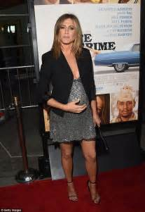 jennifer aniston justin theroux pregnant jennifer aniston is fed up with pregnancy rumours daily