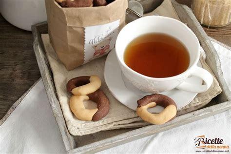biscotti fatti in casa ricetta biscotti abbracci fatti in casa ricette della nonna