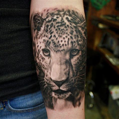 tattoo black and grey animal black and grey leopard tattoo venice tattoo art designs