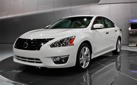 nissan altima 2013 nissan altima front three quarter photo 3