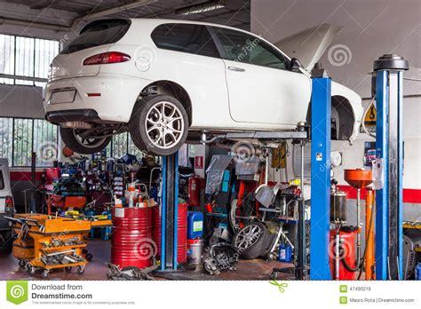 werkstatt auto autowerkstatt redaktionelles stockbild bild 47490219