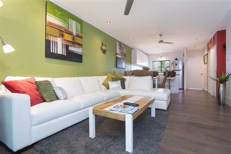 accommodation port douglas apartments affordable 2 bedroom deluxe 2 bedroom apartments port douglas titree resort
