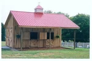 small barns small barn w overhang country house pinterest