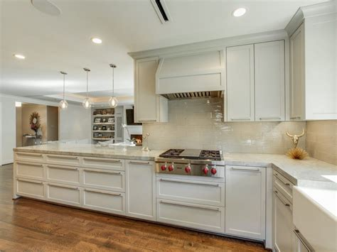 Knob Hill Dallas by Sea Pearl Quartzite Kitchen Gallery
