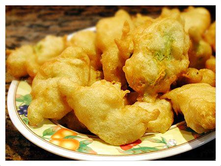 fiori di zucca fritti con uovo ricette con i fiori frittura di fiori di zucca senza
