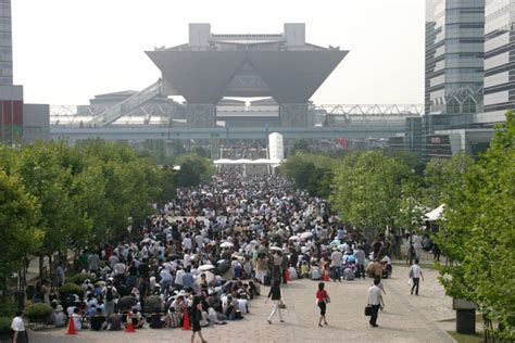 design love fest tokyo comiket where otaku come to share the love the japan times