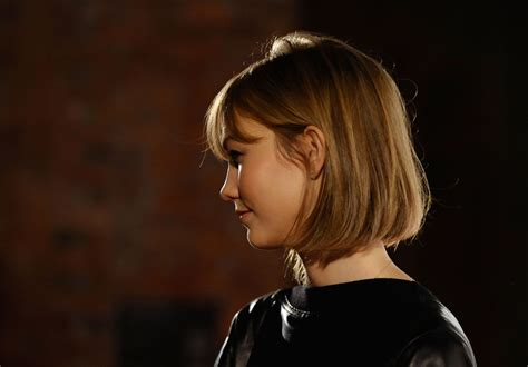 how to style karlie kloss haircut more pics of karlie kloss short straight cut 1 of 19