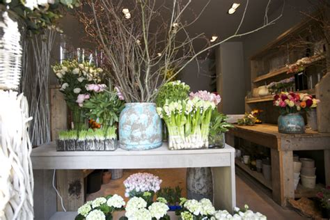 flower shop in paris paris france they display all the florist