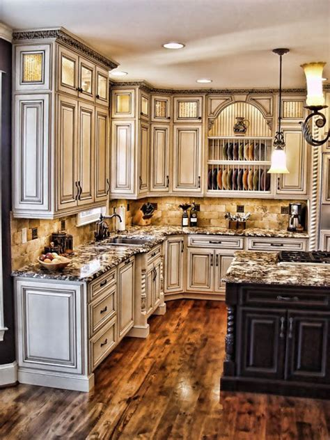 paint kitchen cabinets antique white how to paint antique white kitchen cabinets projets 224