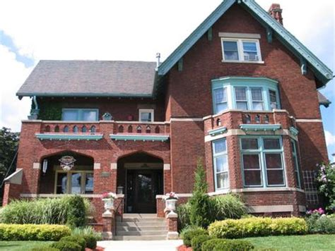 haunted houses in milwaukee wi find real haunted hotels in milwaukee wisconsin brumder mansion in milwaukee wisconsin