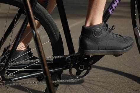 casual spd bike shoes 10 stylish spd cycling shoes which look casual not sporty