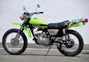 Ts250 Suzuki Restored Suzuki Ts250 1971 Photographs At Classic Bikes