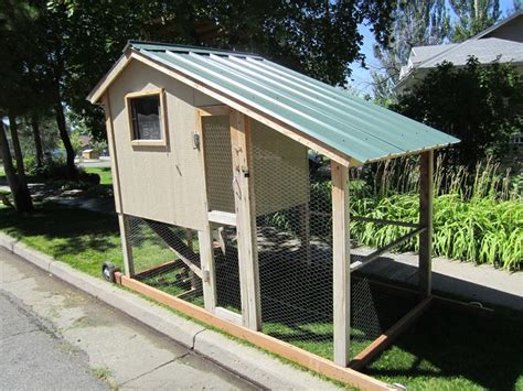 portable chicken coop 17 best images about chicken coops on the winter portable chicken coop and backyards