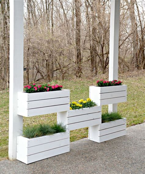 build  vertical planter  home depot diy