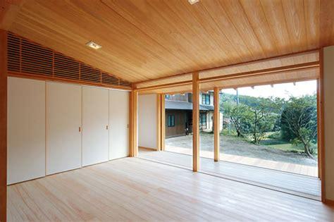 japanese wooden weekend house   design digsdigs
