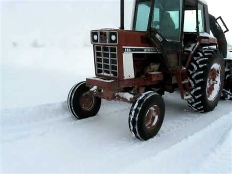 Lucknow Snowblower On A 986 International Tractor 2 | farmall 656 diesel blowing snow how to save money and do
