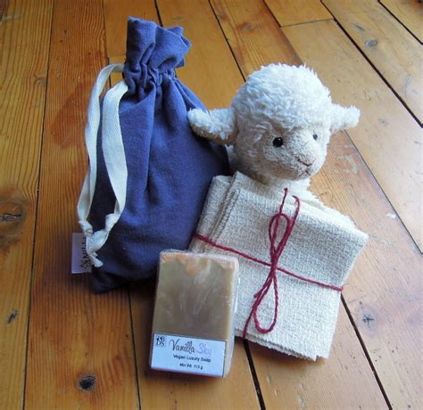 Organic Giveaway - organic baby gift set giveaway