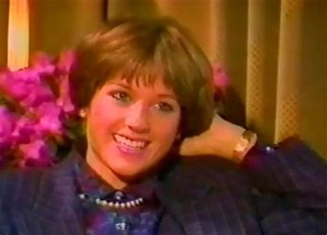 original 70s dorothy hamel hairstyle how to 20 best ideas about dorothy hamill haircut on pinterest