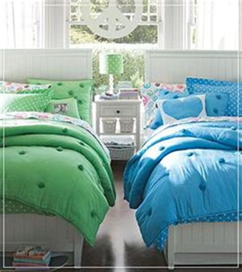cute twin beds 1000 images about two twin beds in a little guest room on