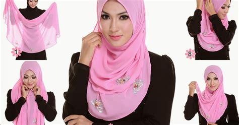 cara memakai kerudung segi empat yang cocok untuk wajah bulat cara menggunakan jilbab segi empat santai