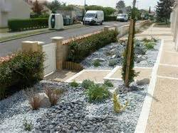 d 233 coration jardin avec cailloux en image