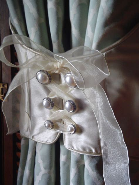 curtain hold back 25 best ideas about curtain tie backs on pinterest