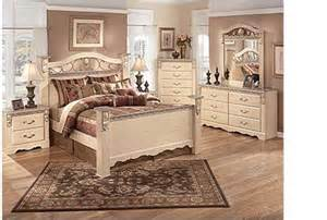 used bedroom set excellent condition from furniture