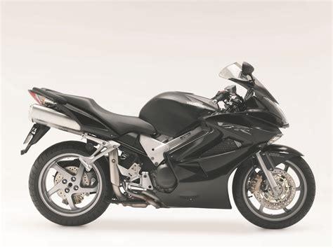 First Ride: 2006 Honda VFR800 VTEC ABS   Visordown
